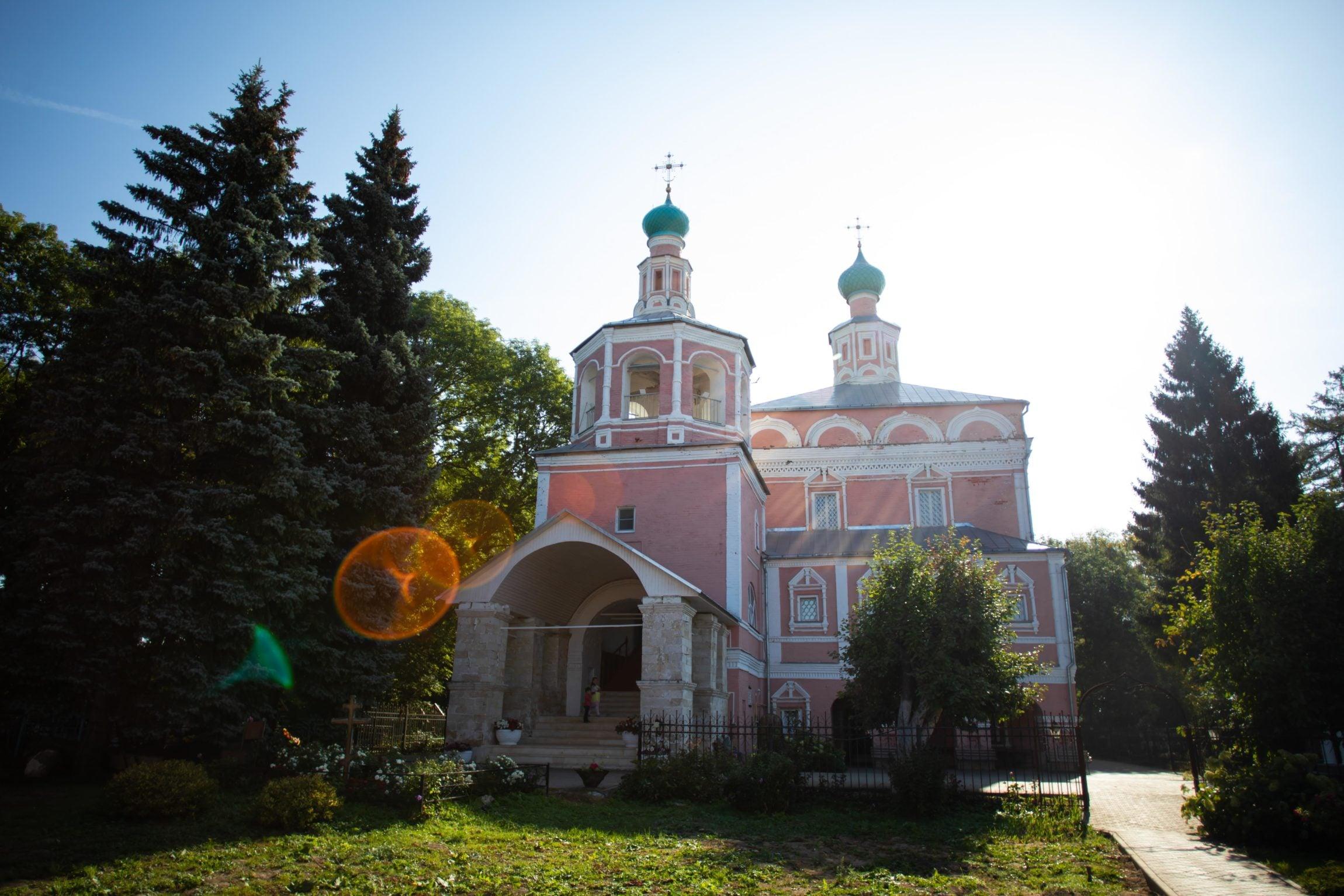 http://monuspen.ru/photoreports/143c0879173e3e11c82dee859362f212.jpg