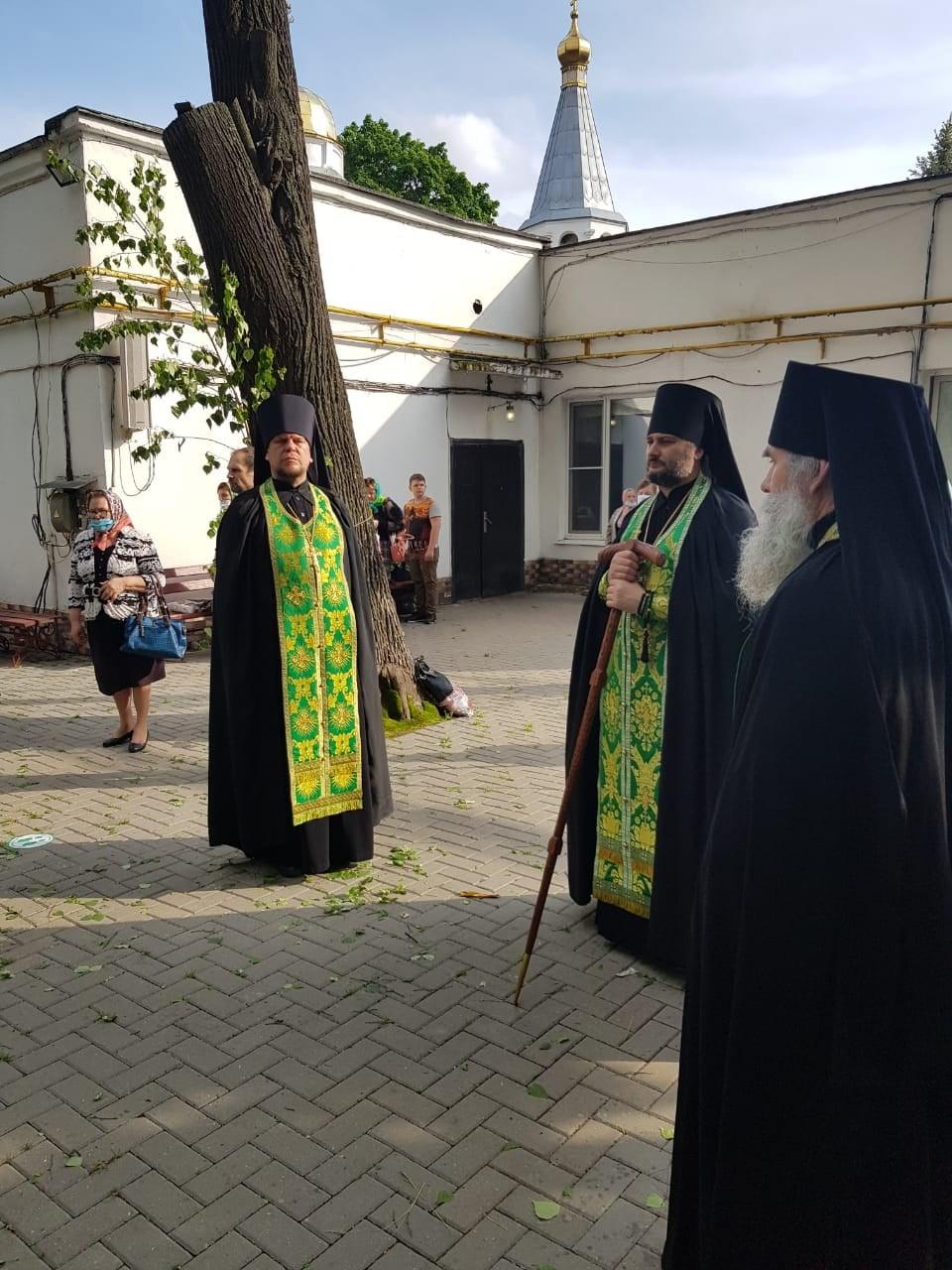 http://monuspen.ru/photoreports/2817cad3255237dbc1f34838a51bcd81.jpeg