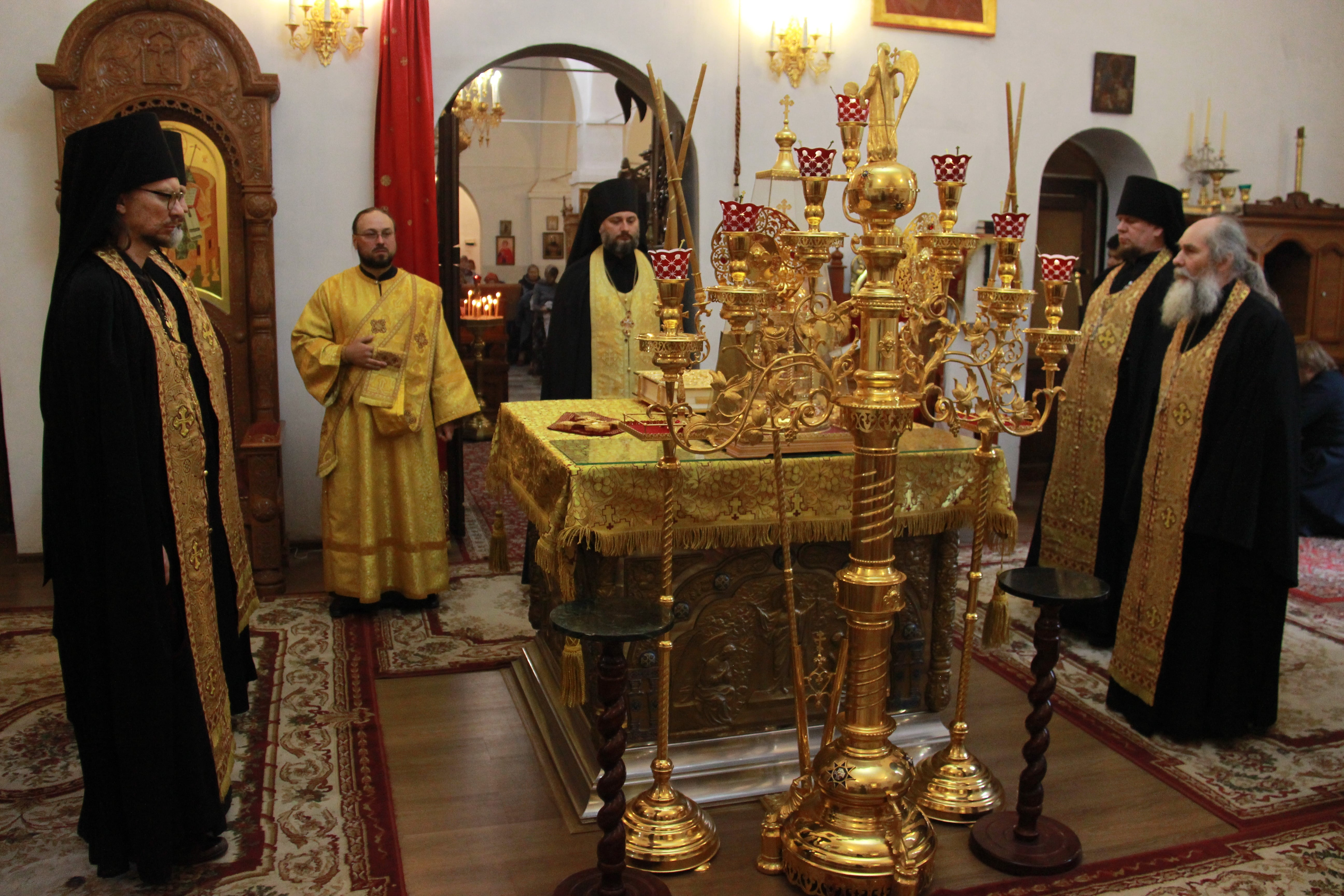 http://monuspen.ru/photoreports/4496b50e84751dce2e2b0d8a6638fb3j.JPG