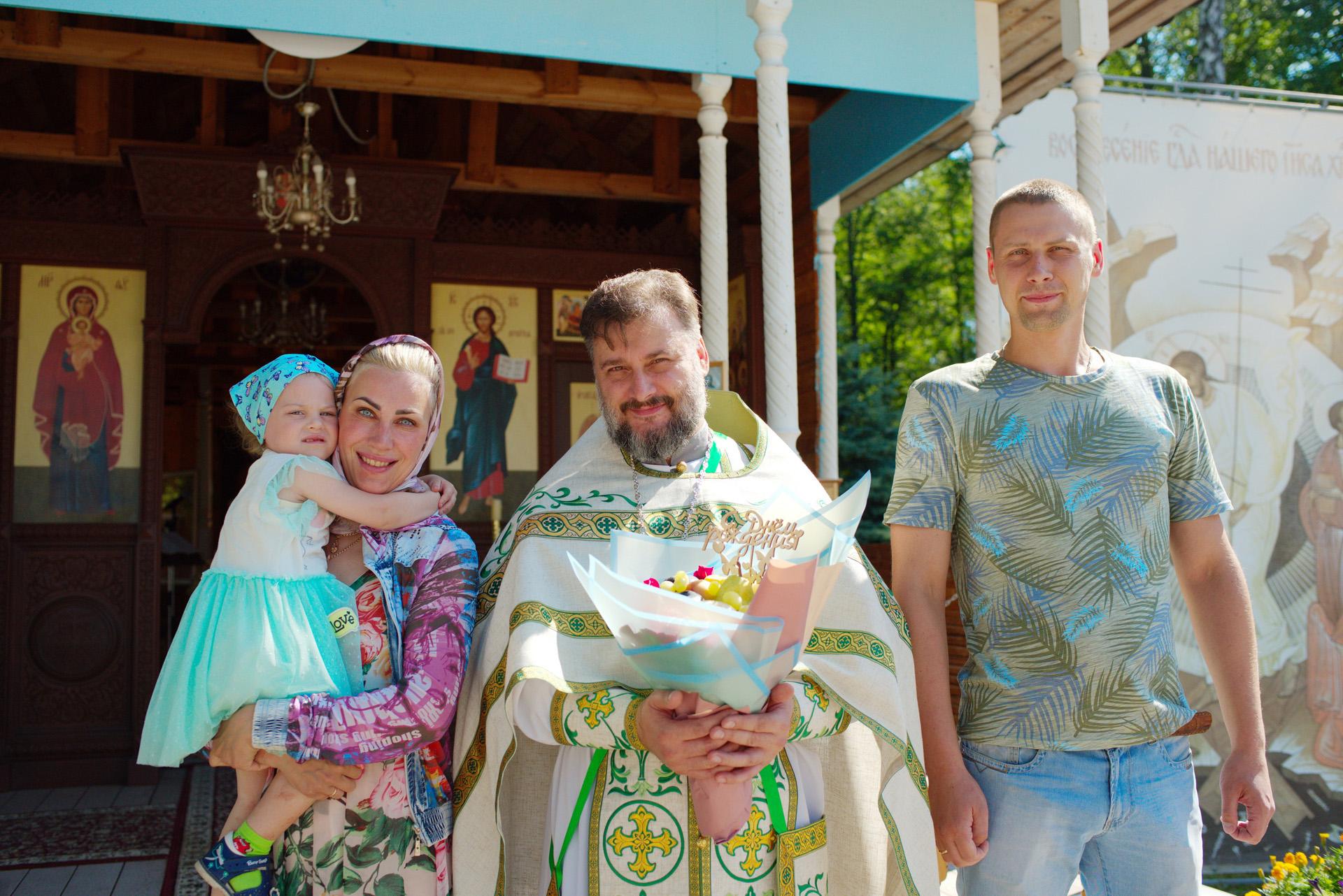 http://monuspen.ru/photoreports/63cee2eedb0b6f9799f6ffc103c27fbe.jpg
