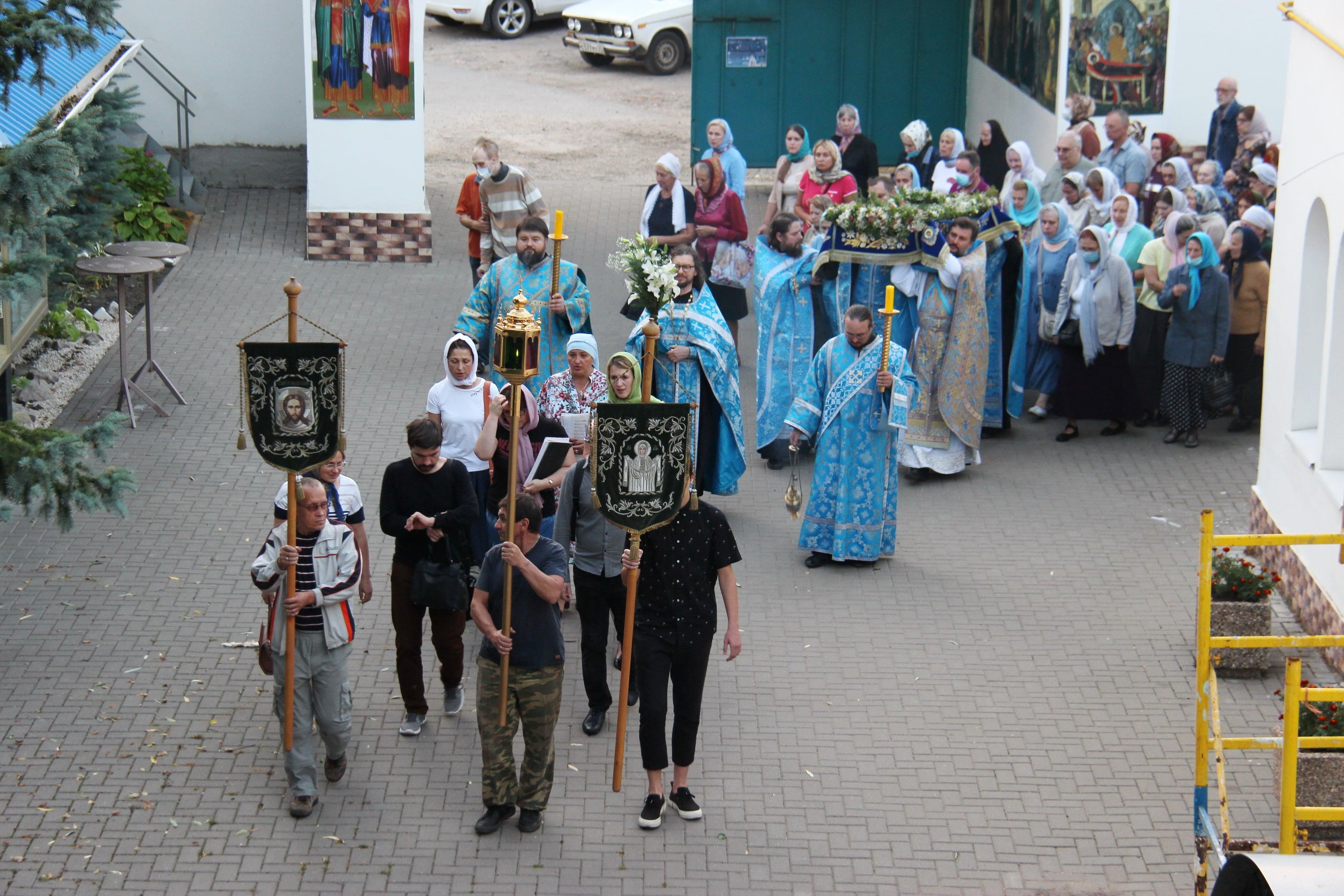 http://monuspen.ru/photoreports/6f0c4c725067d7a10ae5e454c5e82g07.JPG