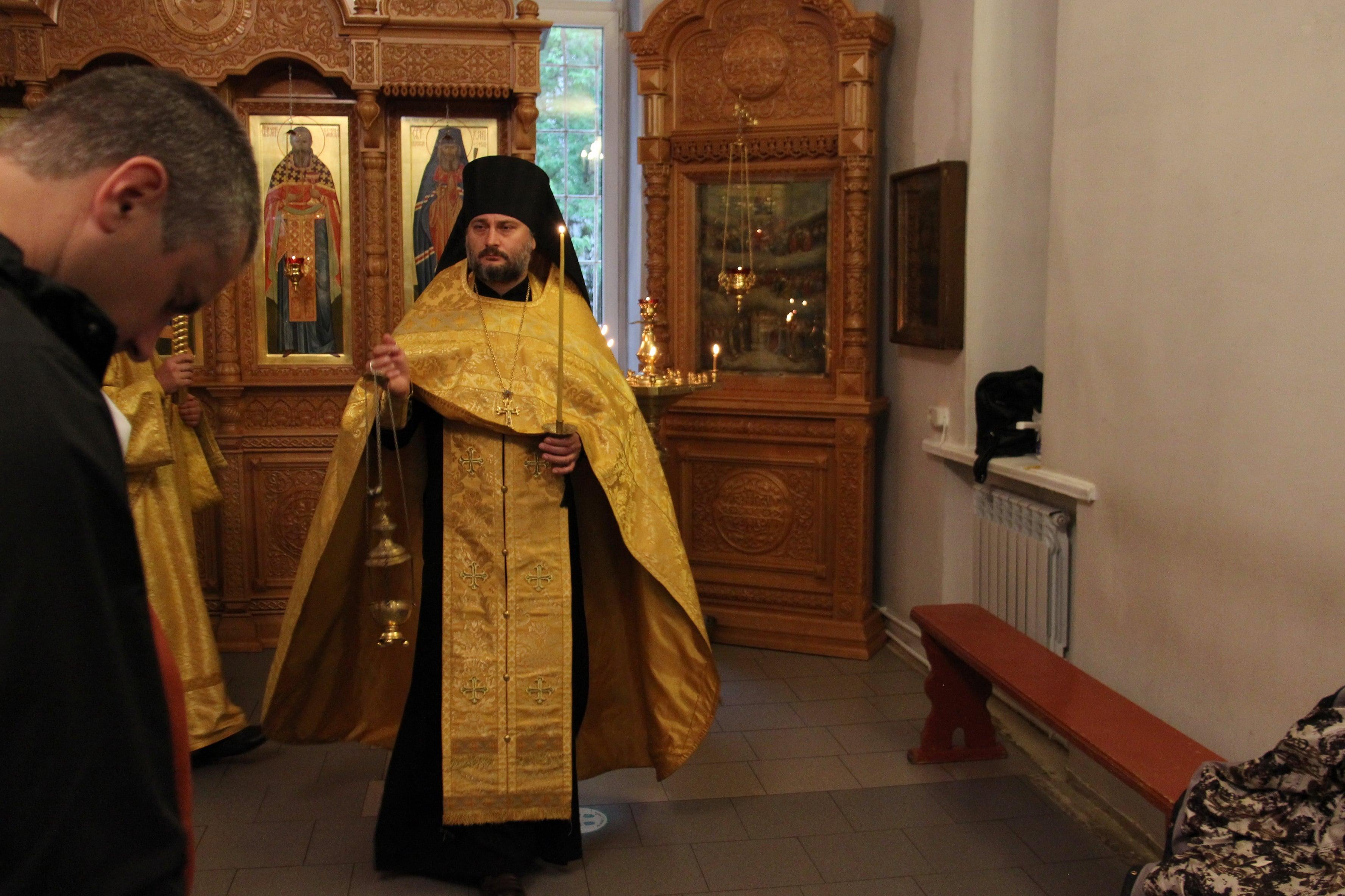 http://monuspen.ru/photoreports/7981735c9eb567a6b2380cde7cc5dd44.JPG