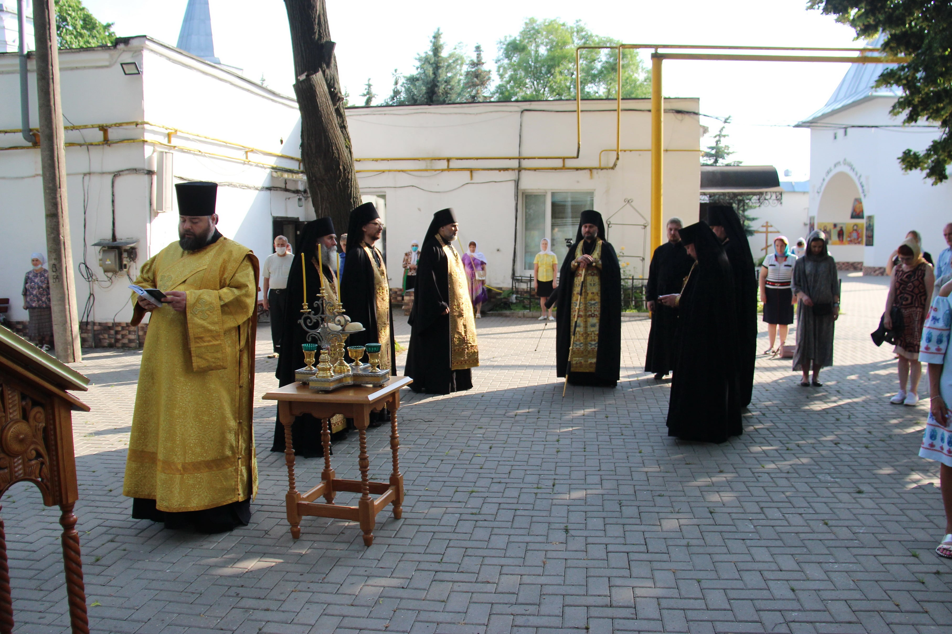 http://monuspen.ru/photoreports/9d553e3cea426a8390cd62a5f8fa5g00.JPG