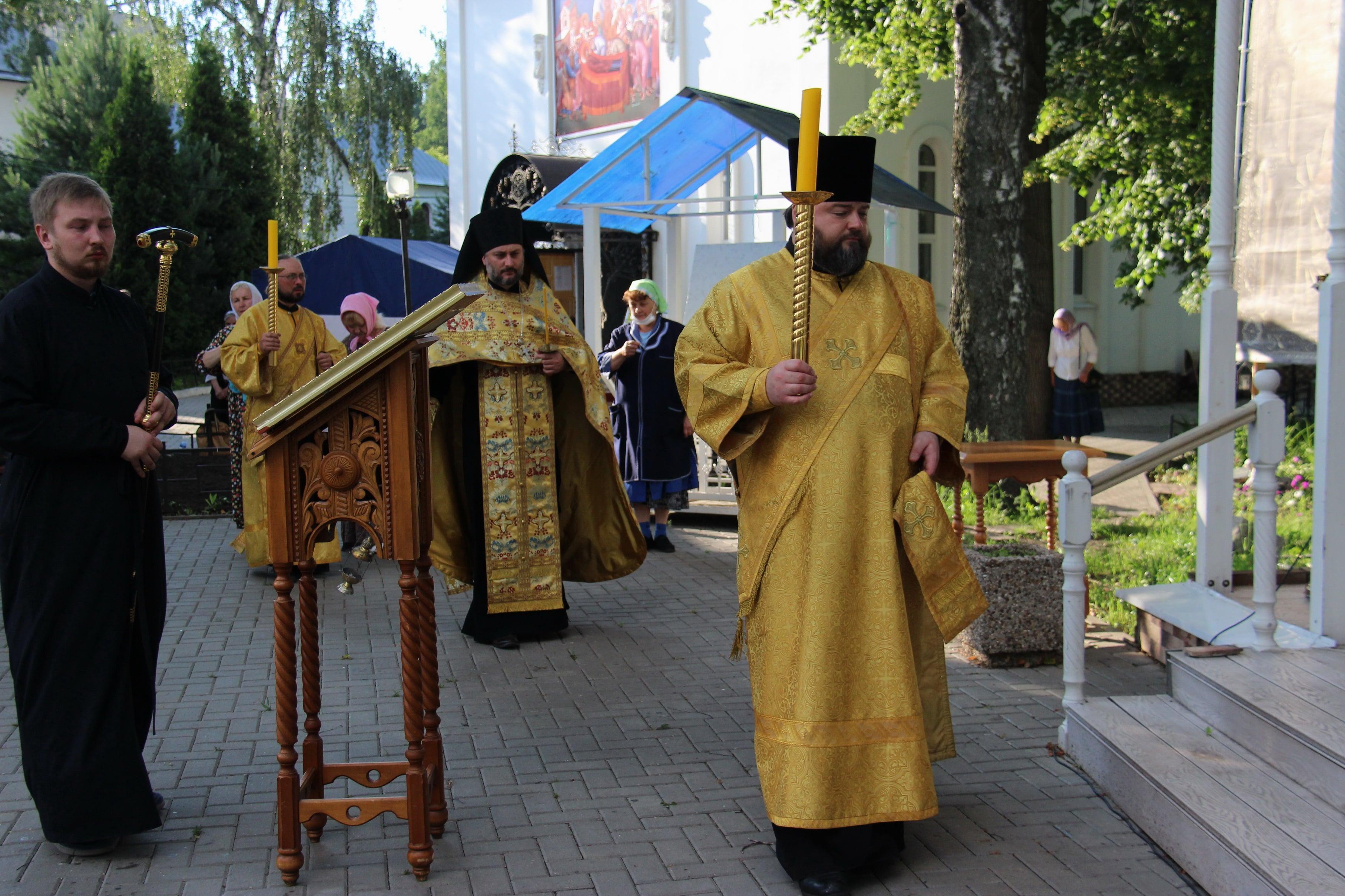 http://monuspen.ru/photoreports/9d553e3cea426a8390cd62a5f8fa5g08.JPG