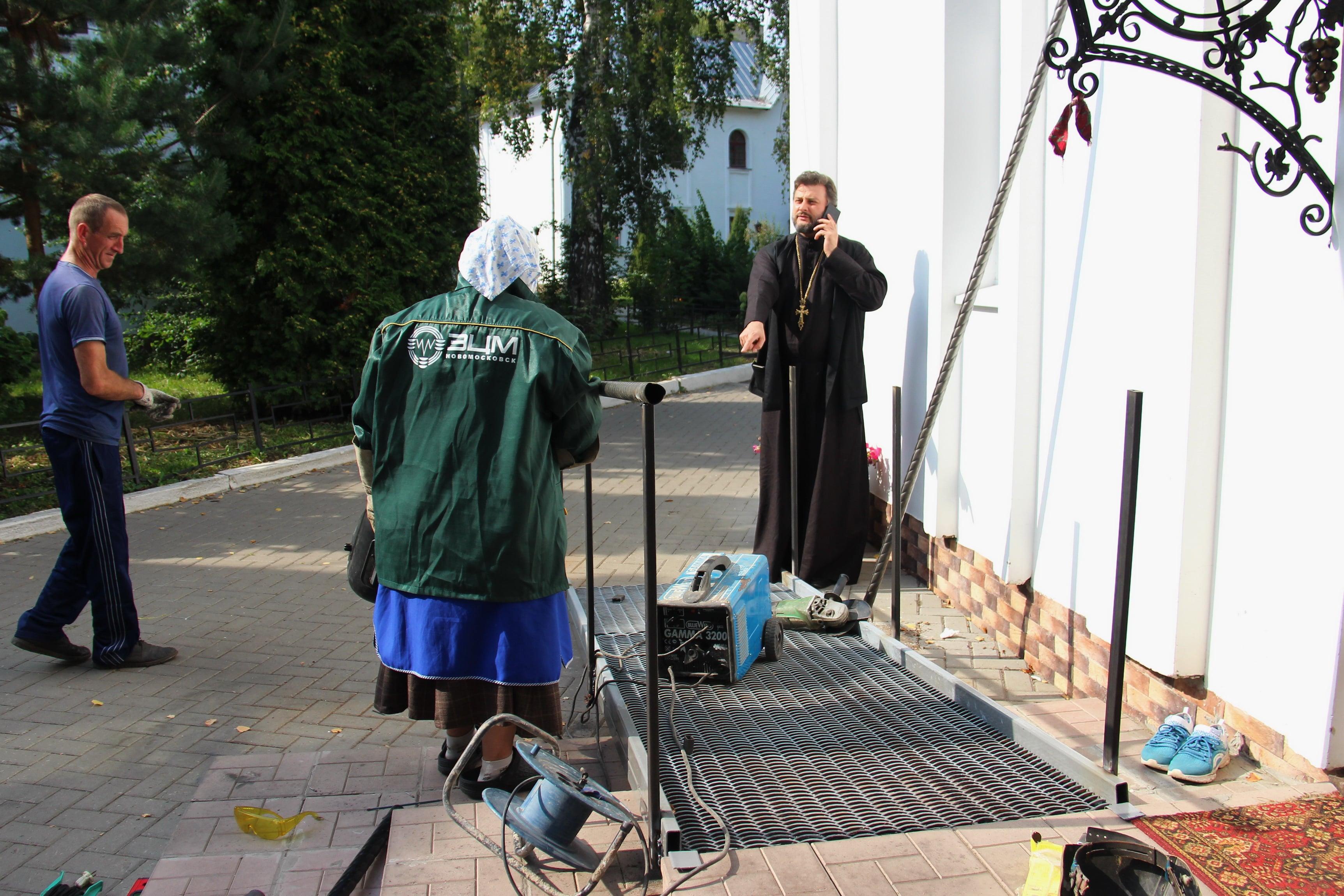 http://monuspen.ru/photoreports/9df63e5e9d77c5739c4060bc33b07f8d.JPG