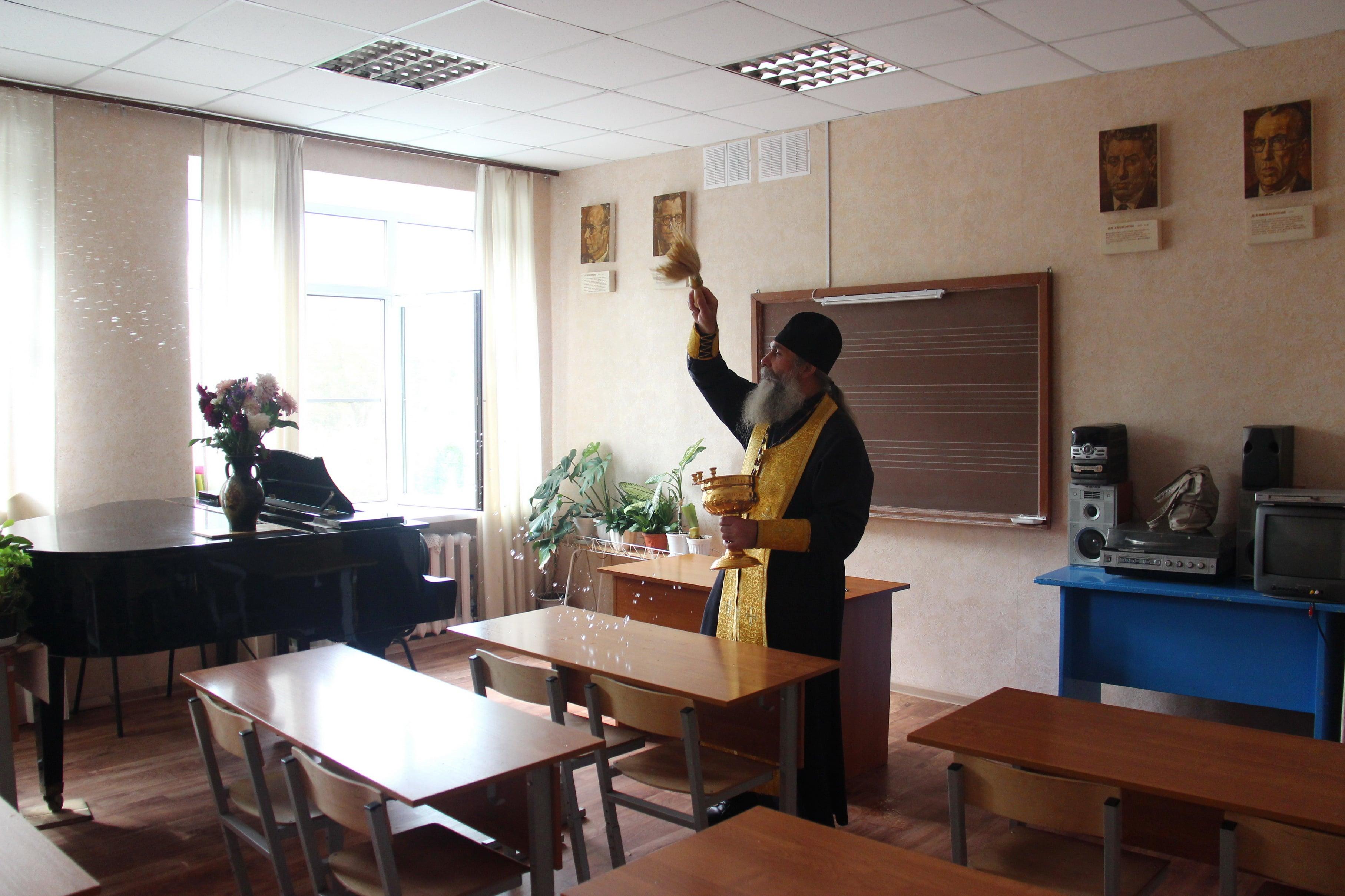 http://monuspen.ru/photoreports/ae2bc2fe1b9cb7c14934f79613c4200g.JPG