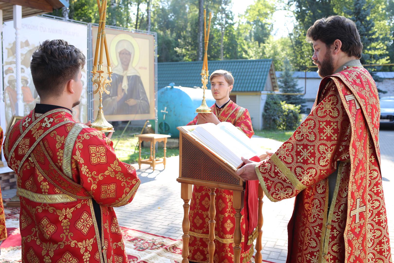 http://monuspen.ru/photoreports/b0408ef58ce532de63b0121cd6c6b60o.jpg