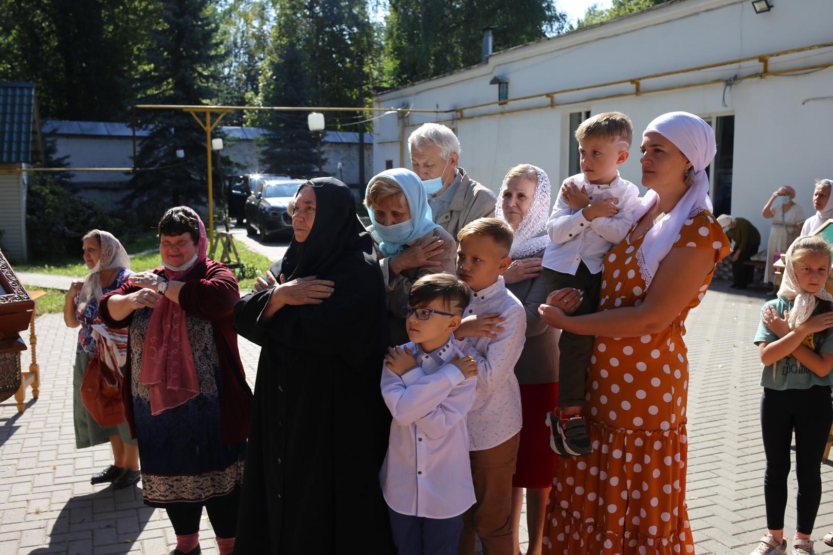 http://monuspen.ru/photoreports/b0408ef58ce532de63b0121cd6c6b60t.jpg