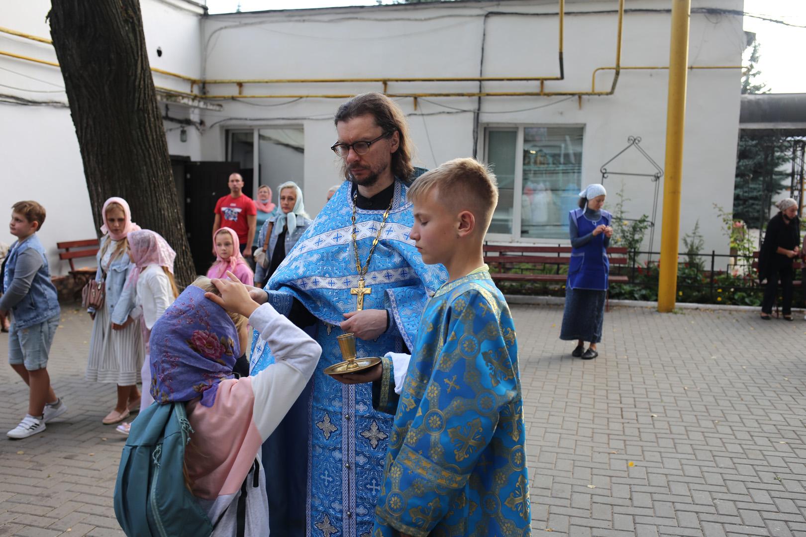 http://monuspen.ru/photoreports/c921fa66433a9104090f5865f55396af.jpg
