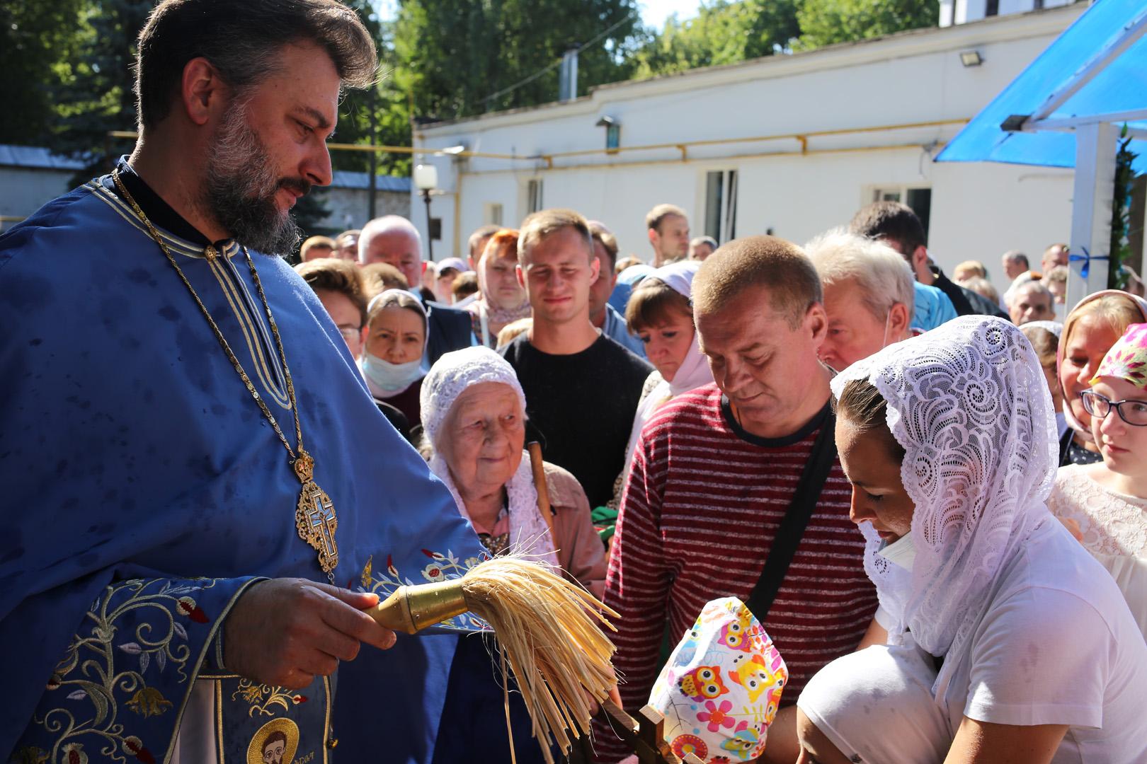 http://monuspen.ru/photoreports/c921fa66433a9104090f5865f55396av.jpg