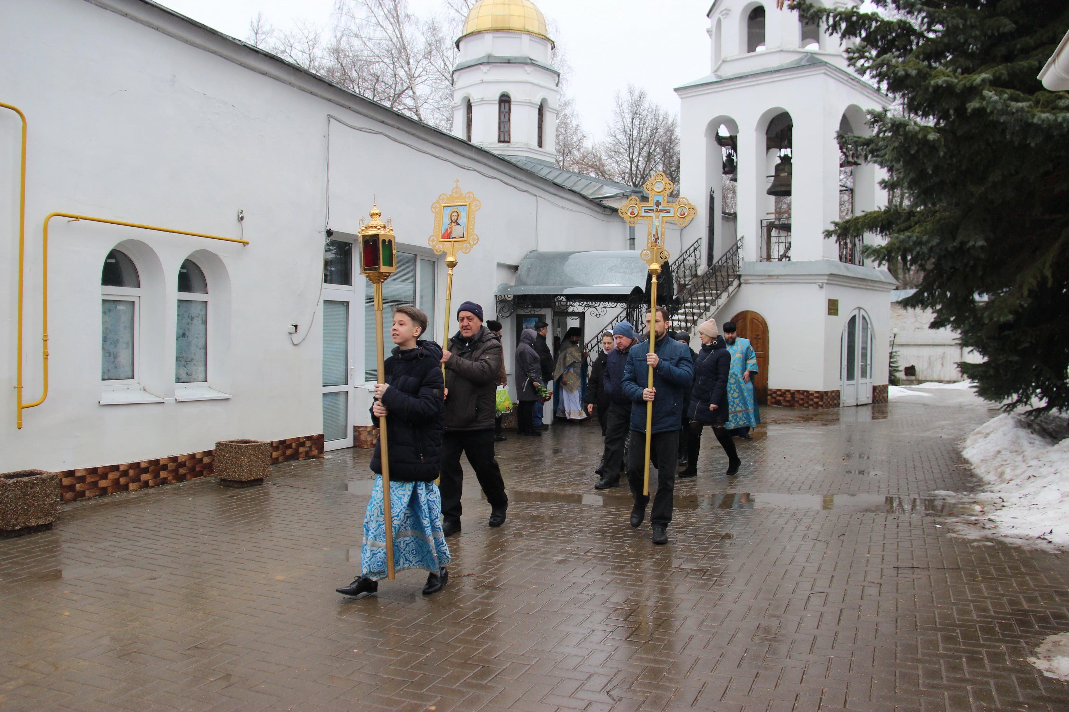 http://monuspen.ru/photoreports/cfb6a29ae0d6f6a8689fb40423a26bg3.JPG