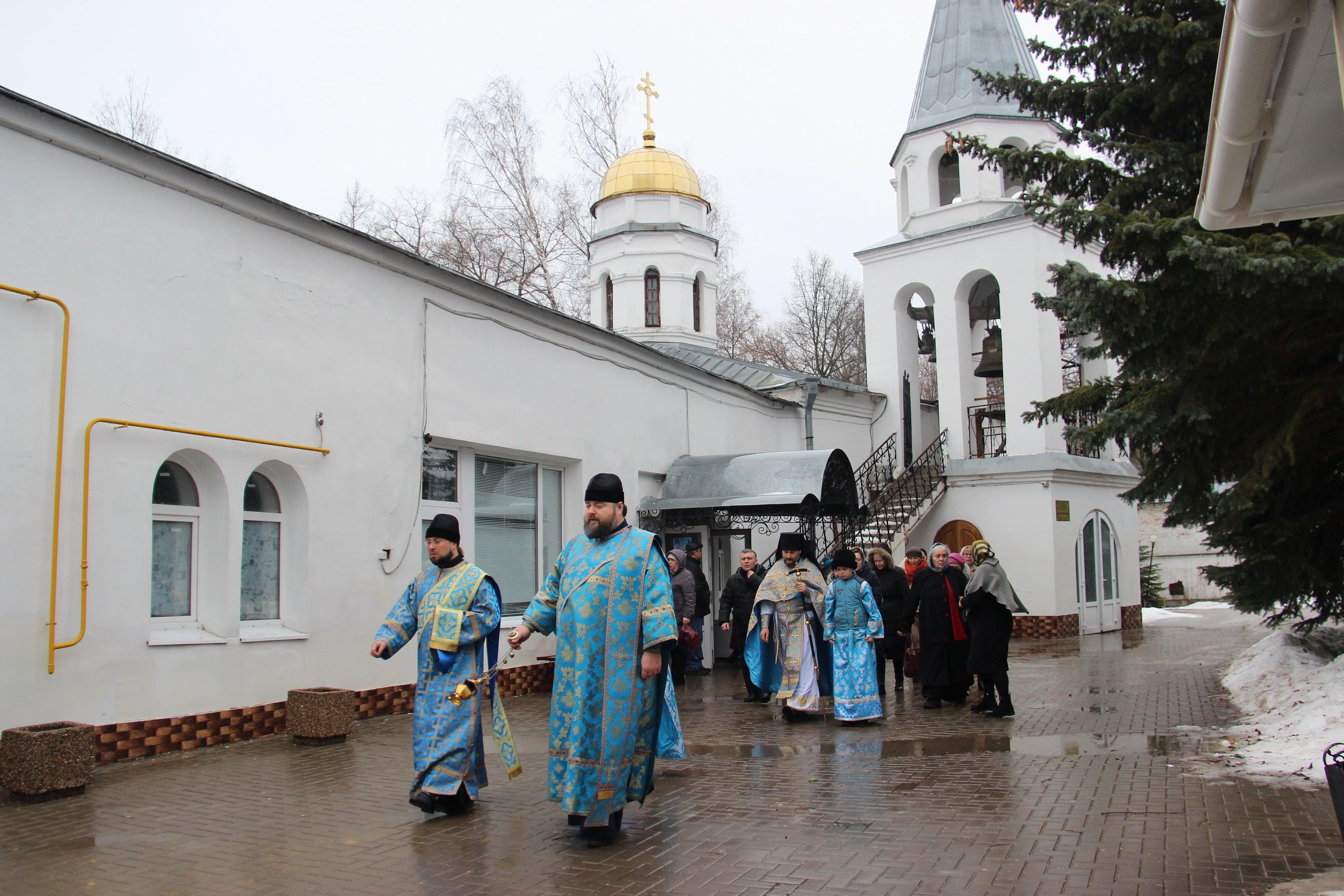 http://monuspen.ru/photoreports/cfb6a29ae0d6f6a8689fb40423a26bg4.JPG