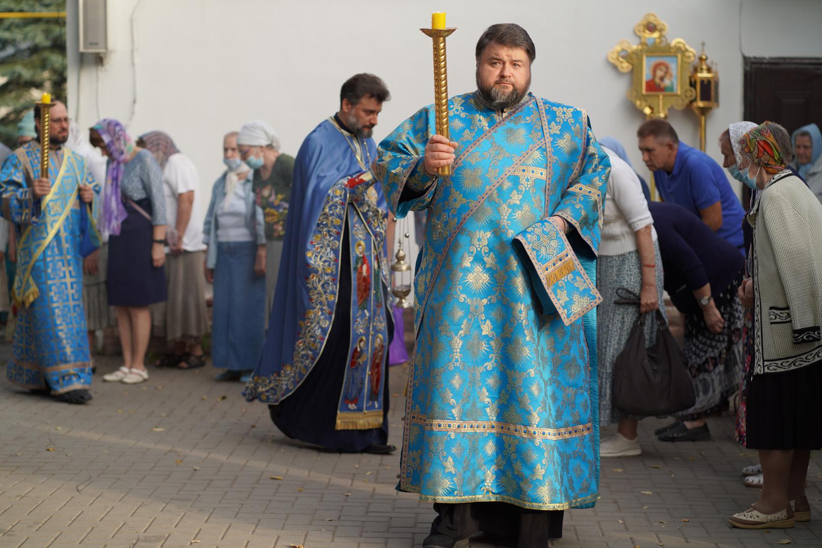 http://monuspen.ru/photoreports/eb9de00e1f5615849ea00b127bfcb98l.jpg
