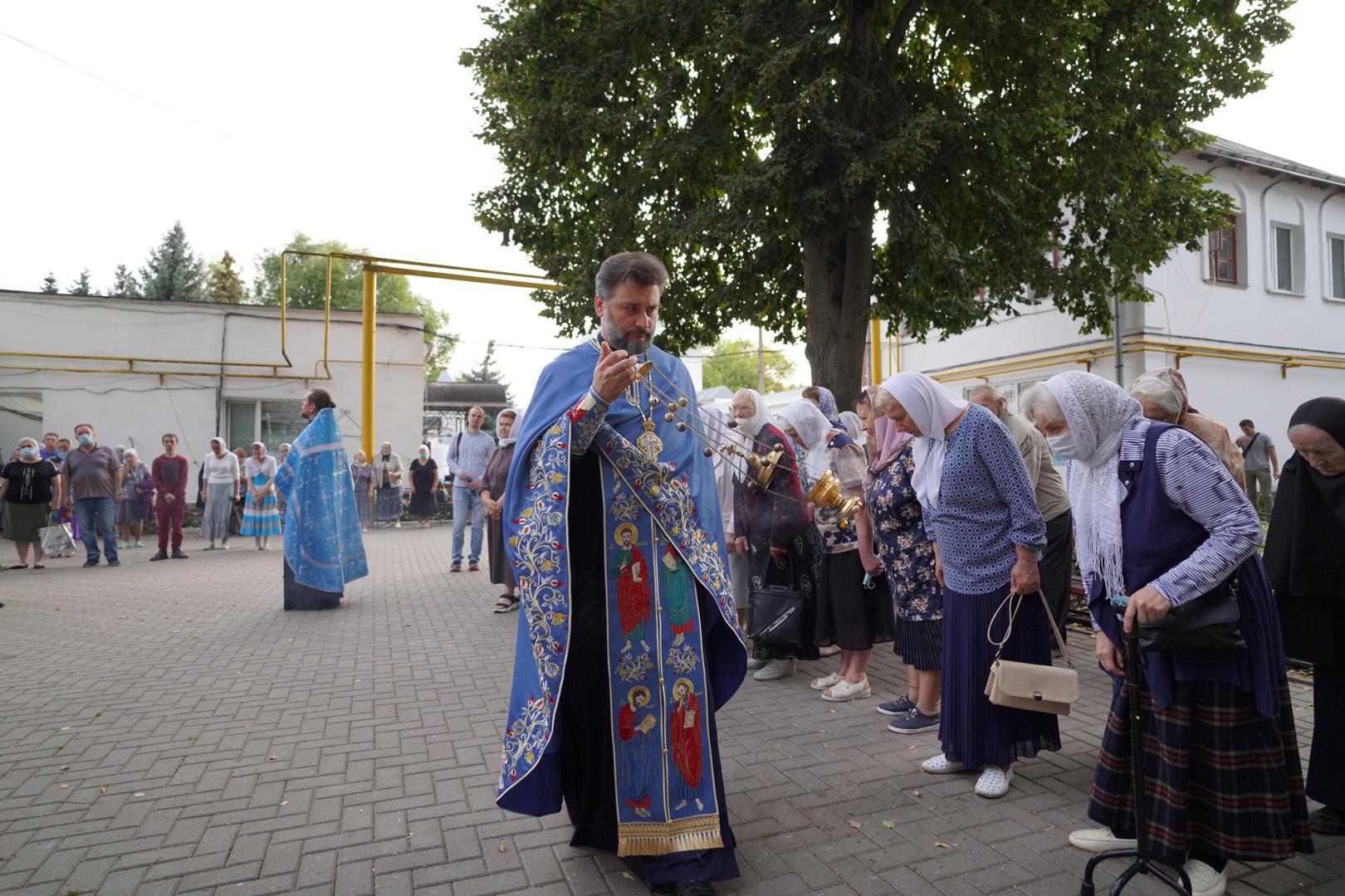 http://monuspen.ru/photoreports/eb9de00e1f5615849ea00b127bfcb98t.jpg
