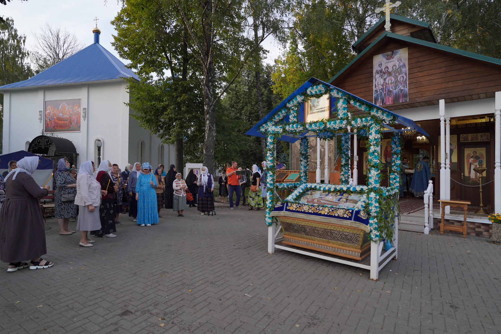 http://monuspen.ru/photoreports/eb9de00e1f5615849ea00b127bfcb98w.jpg