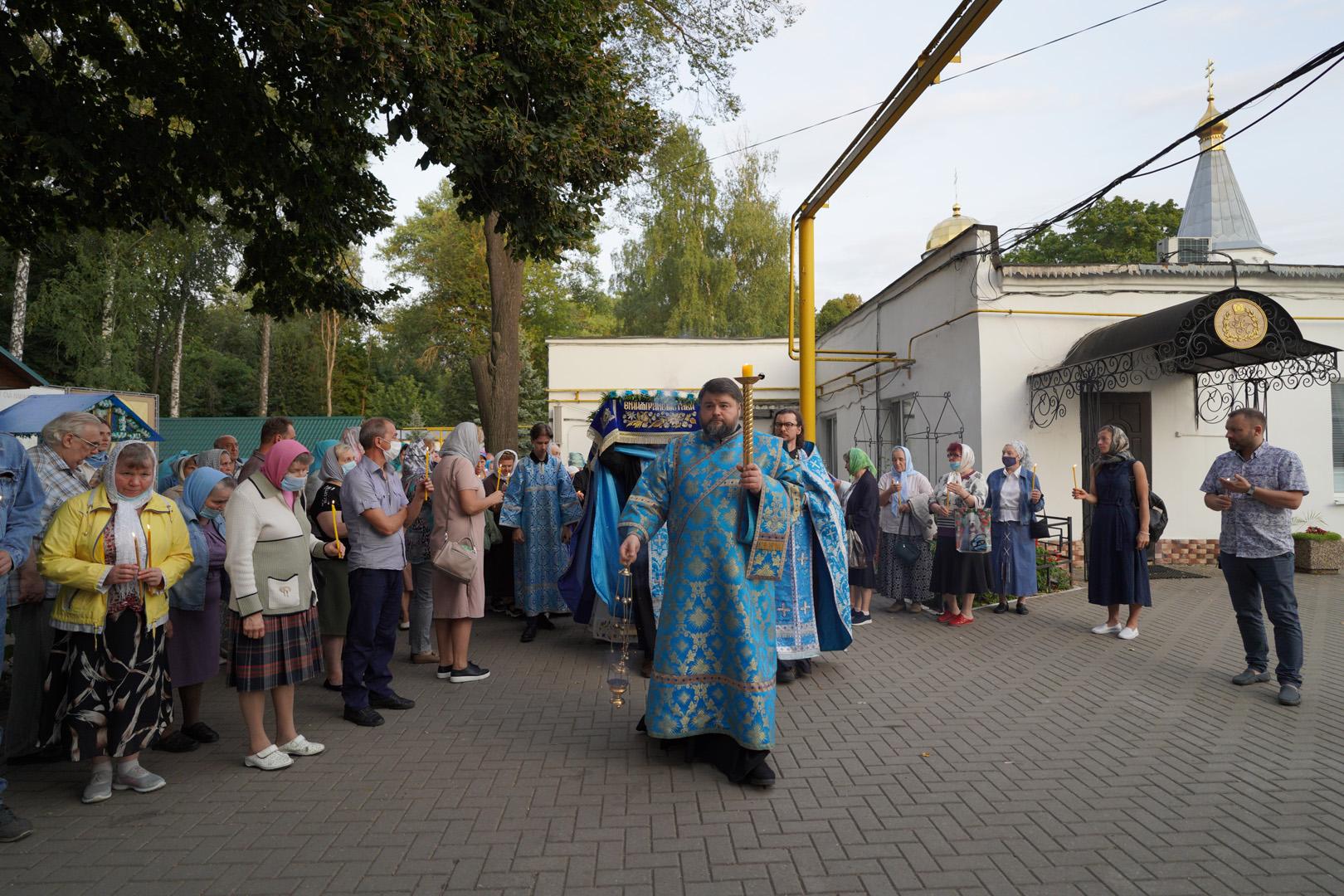http://monuspen.ru/photoreports/eb9de00e1f5615849ea00b127bfcb98z.jpg