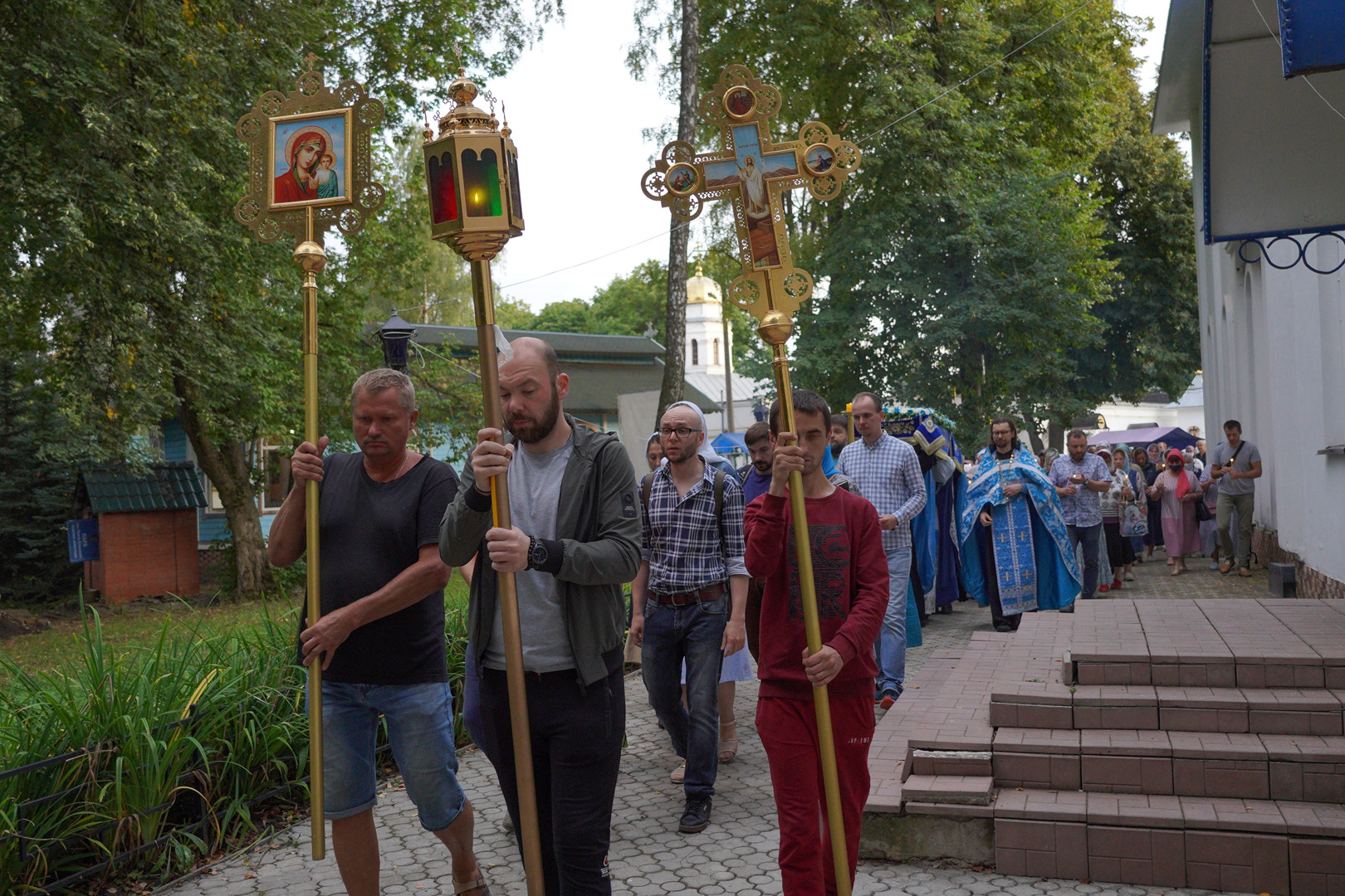 http://monuspen.ru/photoreports/eb9de00e1f5615849ea00b127bfcb99a.jpg