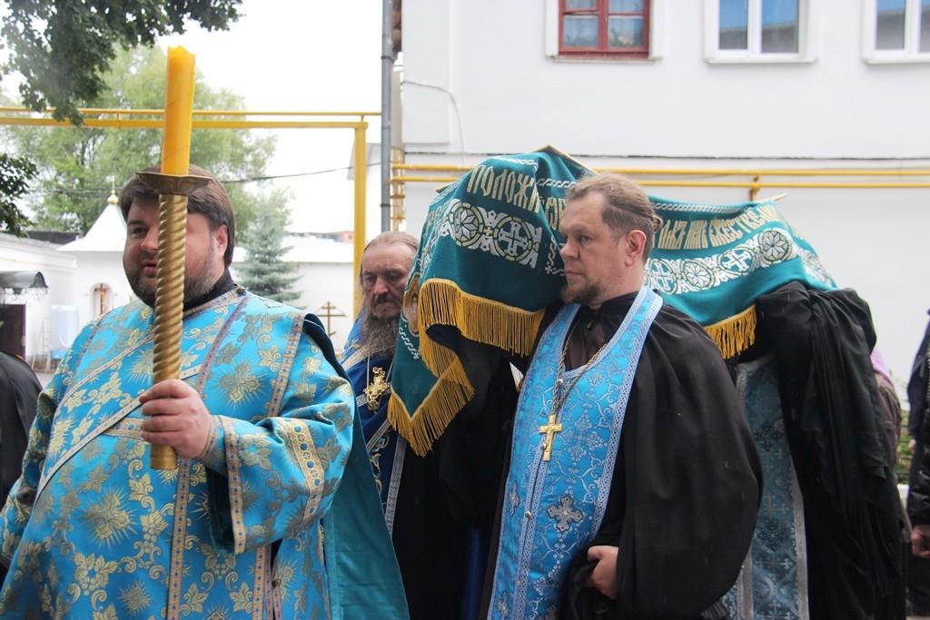 http://monuspen.ru/photos/177224ef790265b014a0bfa728fc7e83.JPG