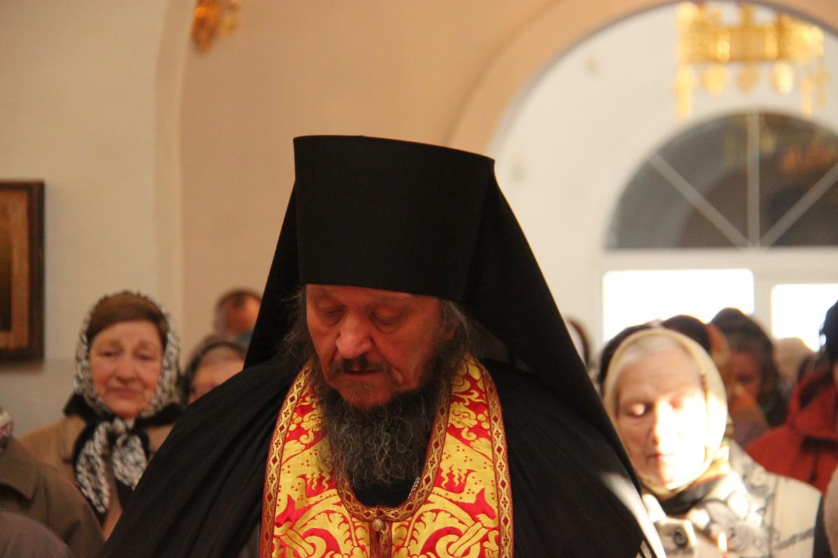 http://monuspen.ru/photos/366cf7778223321e6853fa4fa4a1cc1c.JPG