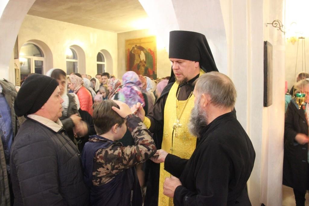 http://monuspen.ru/photos/384283fdcb41b2cc97e47c339b7d6abl.JPG