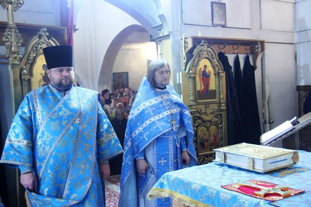 http://monuspen.ru/photos/384283fdcb41b2cc97e47c339b7d6abp.JPG