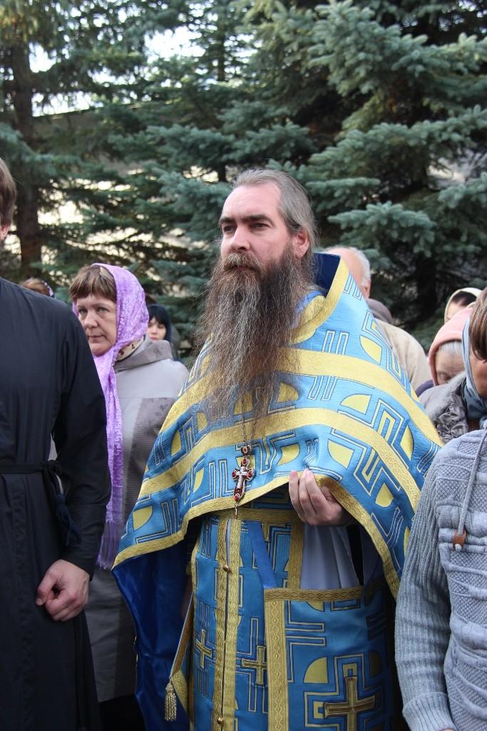 http://monuspen.ru/photos/384283fdcb41b2cc97e47c339b7d6adz.JPG