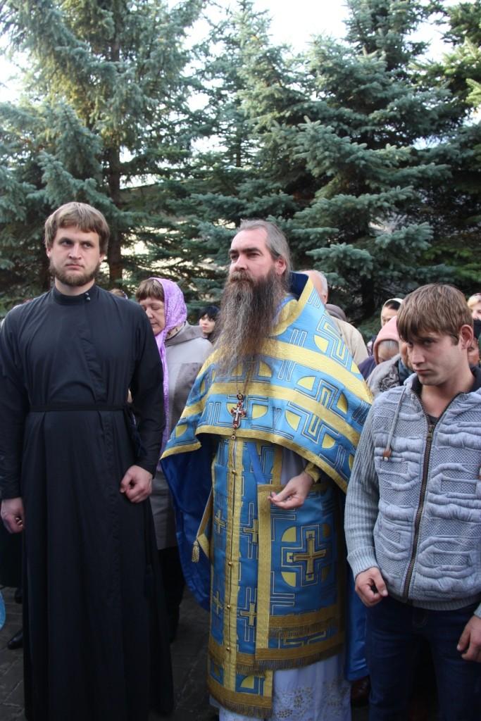 http://monuspen.ru/photos/384283fdcb41b2cc97e47c339b7d6aea.JPG