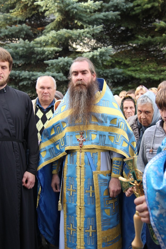 http://monuspen.ru/photos/384283fdcb41b2cc97e47c339b7d6aeg.JPG