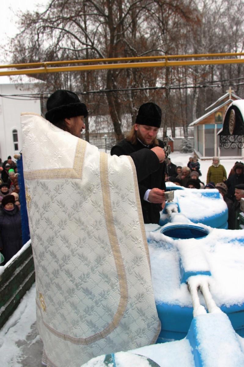 http://monuspen.ru/photos/487e030c307d4002ac8cadea97448c04.JPG