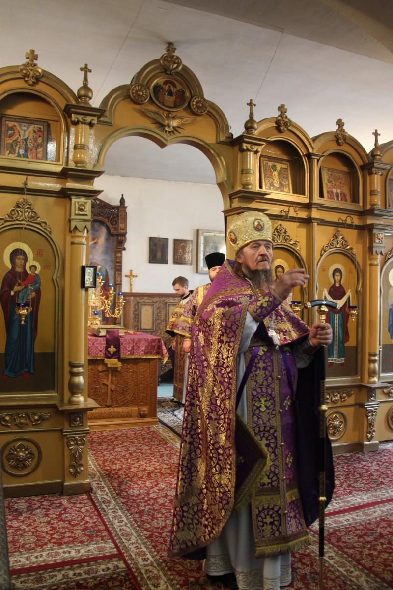 http://monuspen.ru/photos/54bcc5d5a2141f086c353da05a867492.JPG