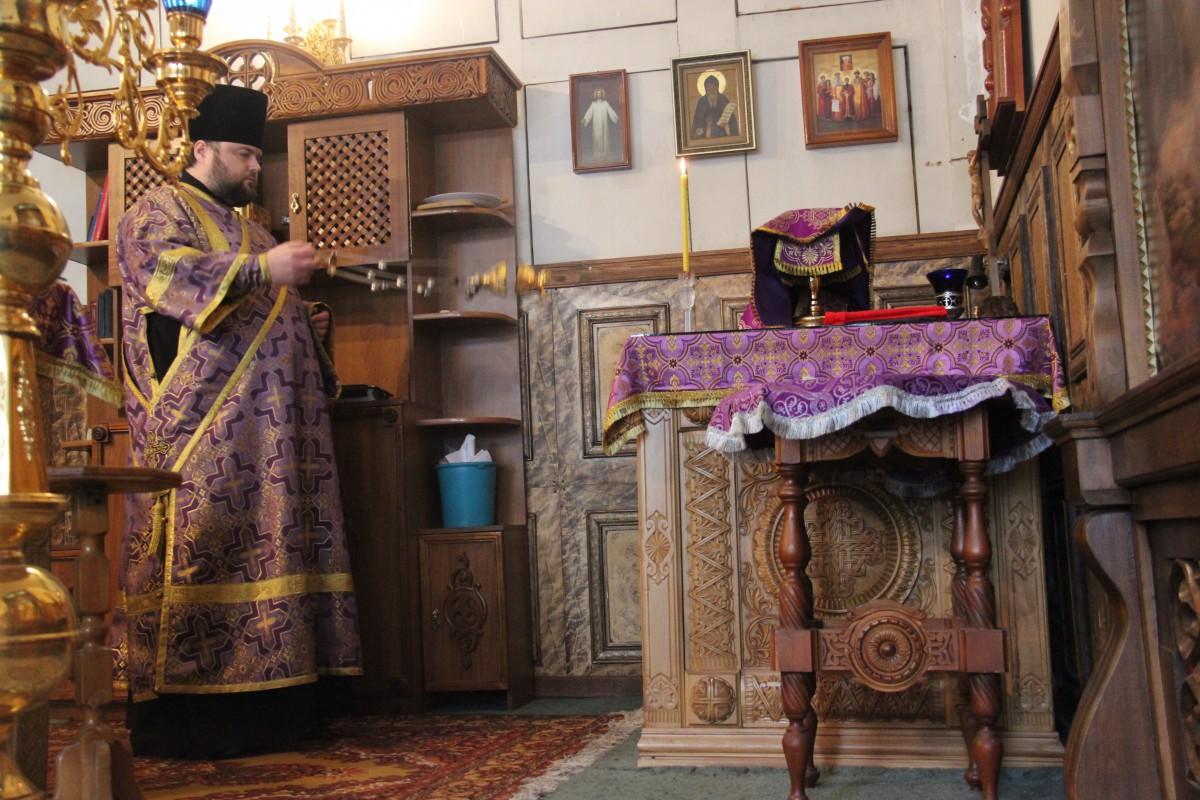 http://monuspen.ru/photos/54bcc5d5a2141f086c353da05a867494.JPG