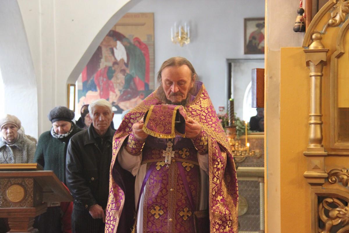 http://monuspen.ru/photos/54bcc5d5a2141f086c353da05a867502.JPG