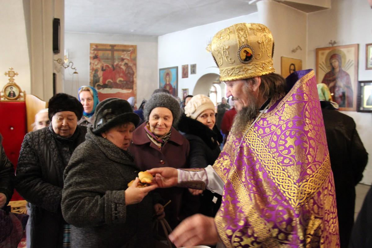 http://monuspen.ru/photos/54bcc5d5a2141f086c353da05a867508.JPG