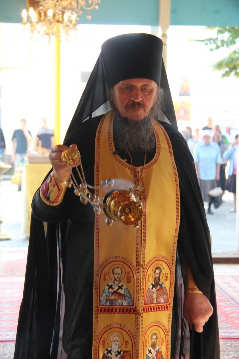 http://monuspen.ru/photos/68c13353d9d630b52c950f3000bc3a30.JPG