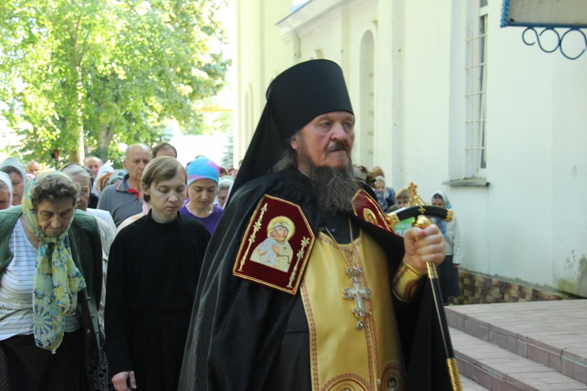 http://monuspen.ru/photos/68c13353d9d630b52c950f3000bc3a38.JPG