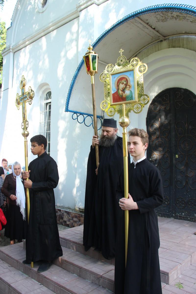 http://monuspen.ru/photos/68c13353d9d630b52c950f3000bc3a42.JPG