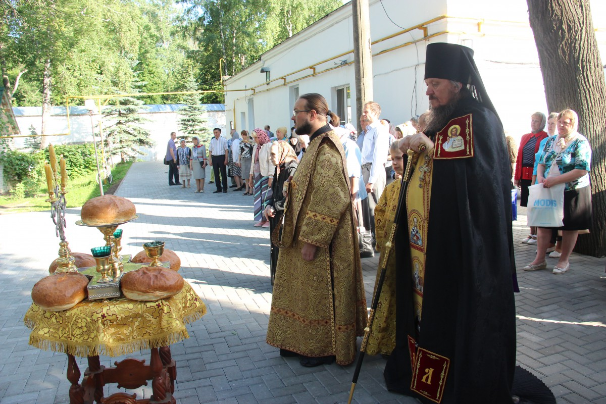 http://monuspen.ru/photos/68c13353d9d630b52c950f3000bc3a44.JPG