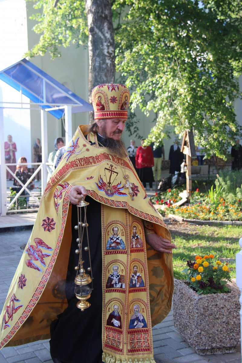 http://monuspen.ru/photos/68c13353d9d630b52c950f3000bc3a50.JPG