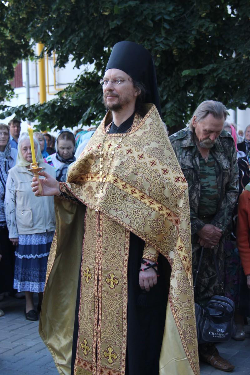 http://monuspen.ru/photos/68c13353d9d630b52c950f3000bc3a53.JPG