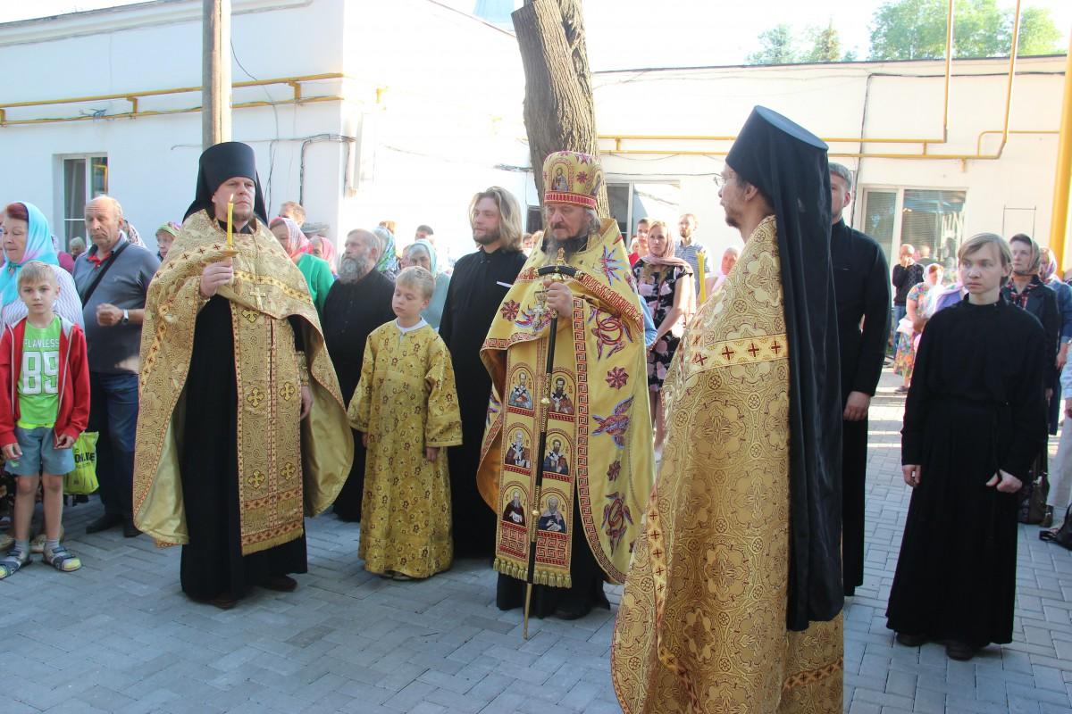 http://monuspen.ru/photos/68c13353d9d630b52c950f3000bc3a55.JPG