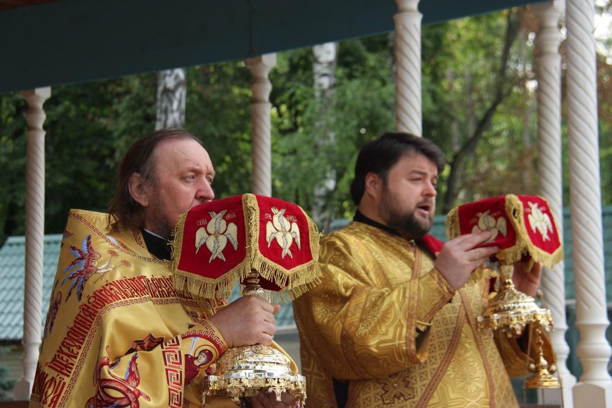 http://monuspen.ru/photos/68c13353d9d630b52c950f3000bc3a69.JPG