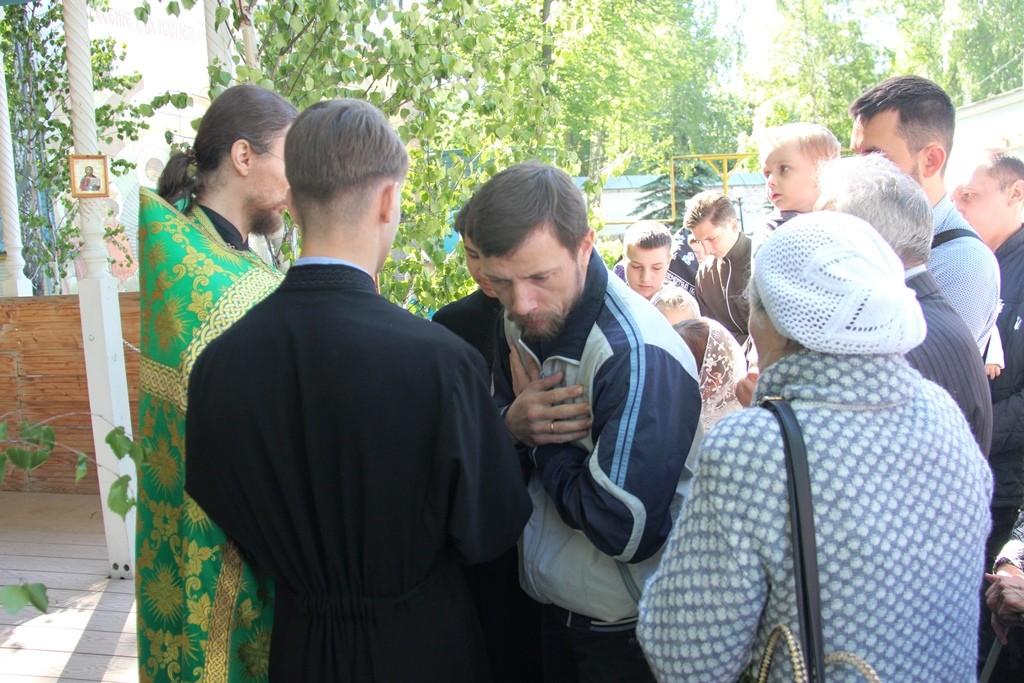 http://monuspen.ru/photos/6c8642c4b881643e05549e58920a2203.JPG