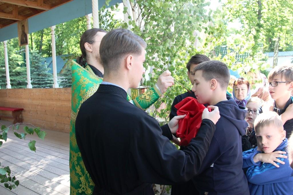 http://monuspen.ru/photos/6c8642c4b881643e05549e58920a2206.JPG