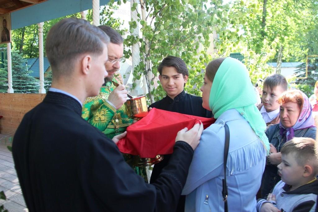http://monuspen.ru/photos/6c8642c4b881643e05549e58920a2210.JPG