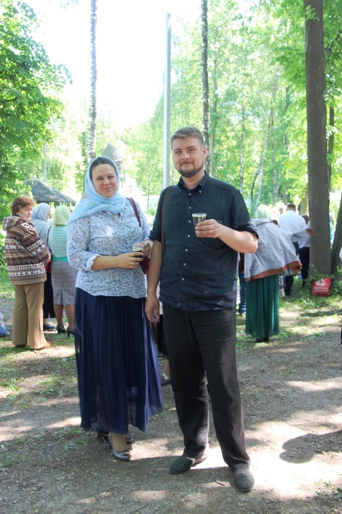 http://monuspen.ru/photos/6c8642c4b881643e05549e58920a2279.JPG
