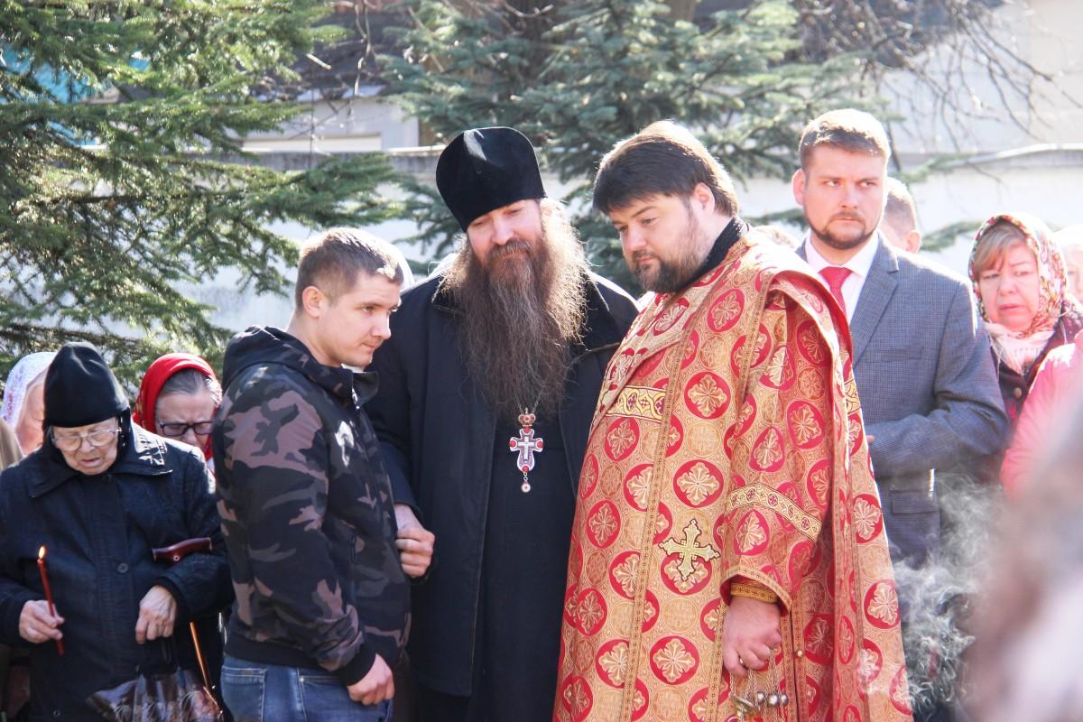 http://monuspen.ru/photos/8c6c937b95fde8132f277907f8efc3fd.JPG