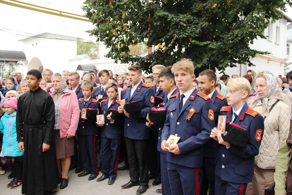 http://monuspen.ru/photos/9a0219dd77d25b622f2e2d3ea98fcc0r.JPG