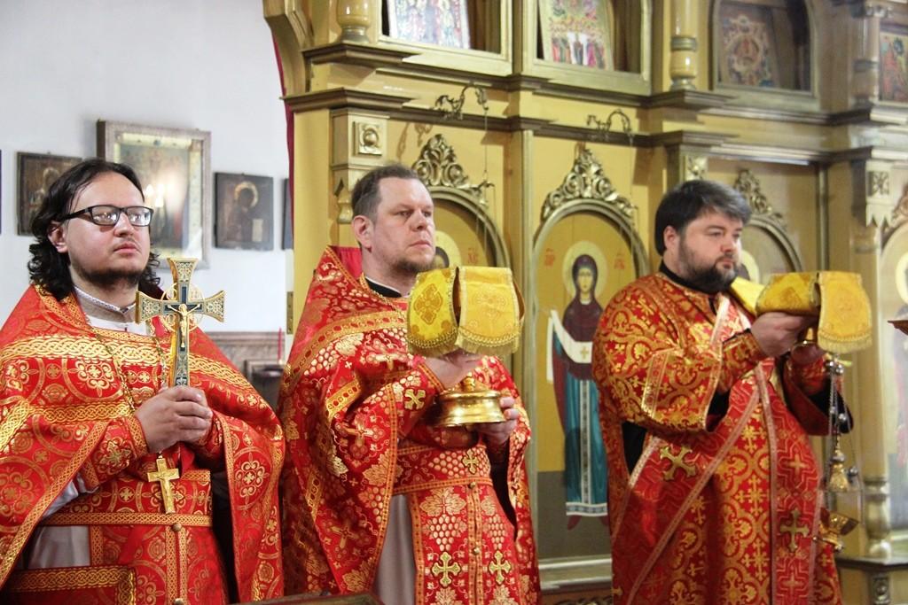 http://monuspen.ru/photos/a2382ba41f463c5bda5a96eb8e1ac7an.JPG