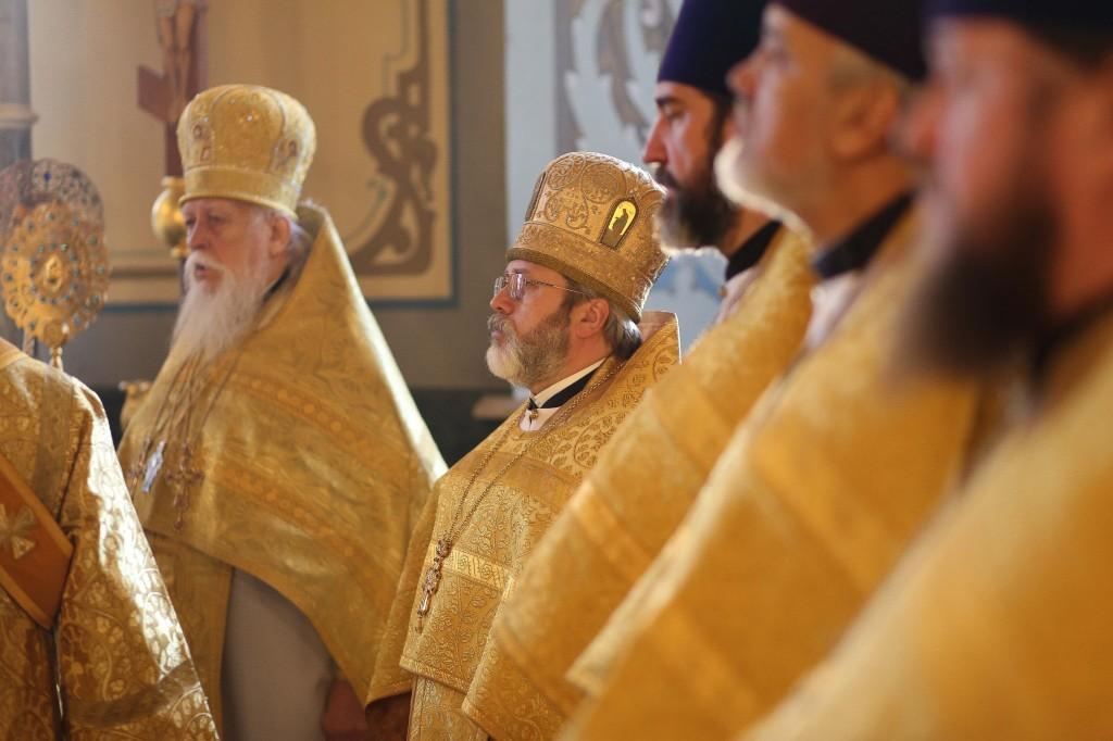 http://monuspen.ru/photos/a7c1ca4880ce6dabe7dcca15d52f2fd0.jpg