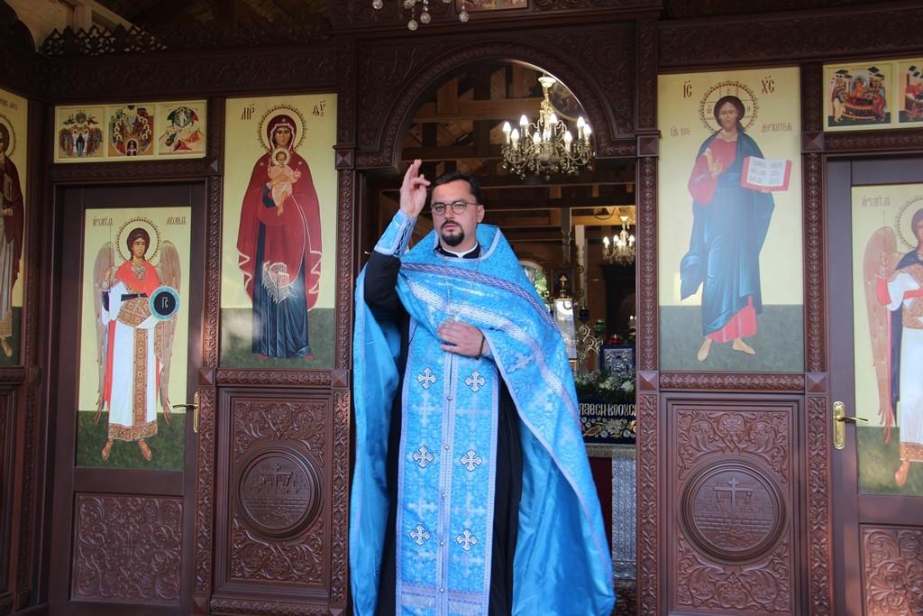 http://monuspen.ru/photos/cece875d76b3aa3d1702c0cb4abd5d7c.JPG
